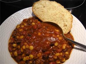 Easy Crockpot Vegetarian Chili