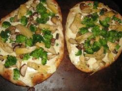 White Naan Pizza